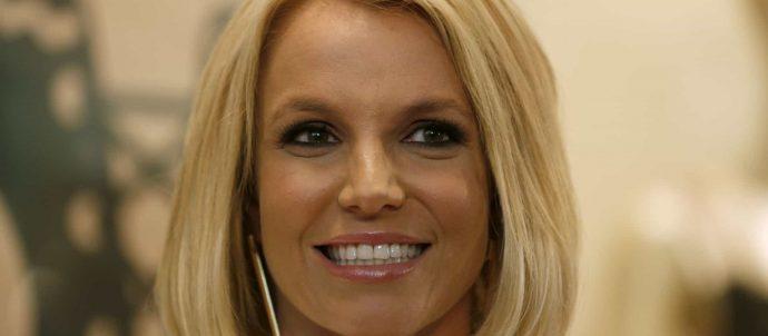 Pai de Britney Spears deixa de ser único tutor da cantora por ordem judicial